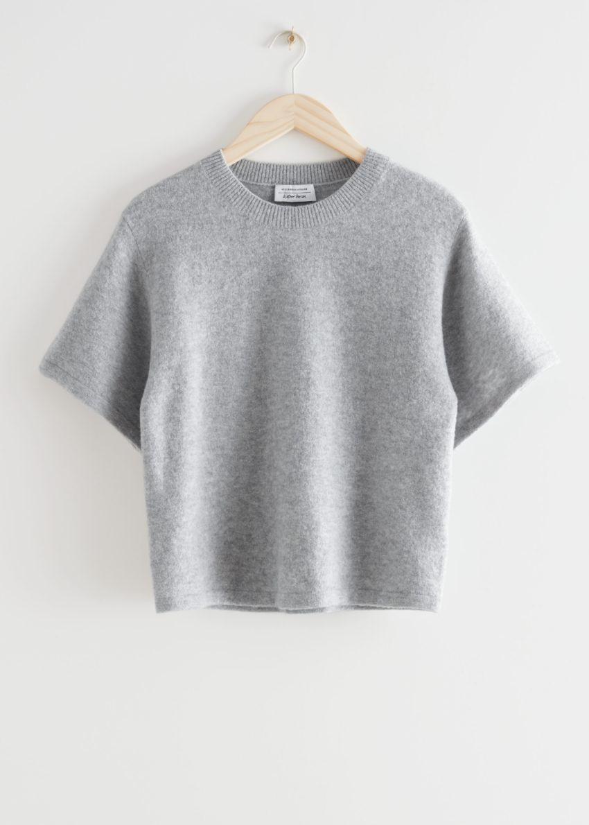 앤아더스토리즈 박시 울 블렌드 니트 티셔츠의 그레이컬러 Product입니다.