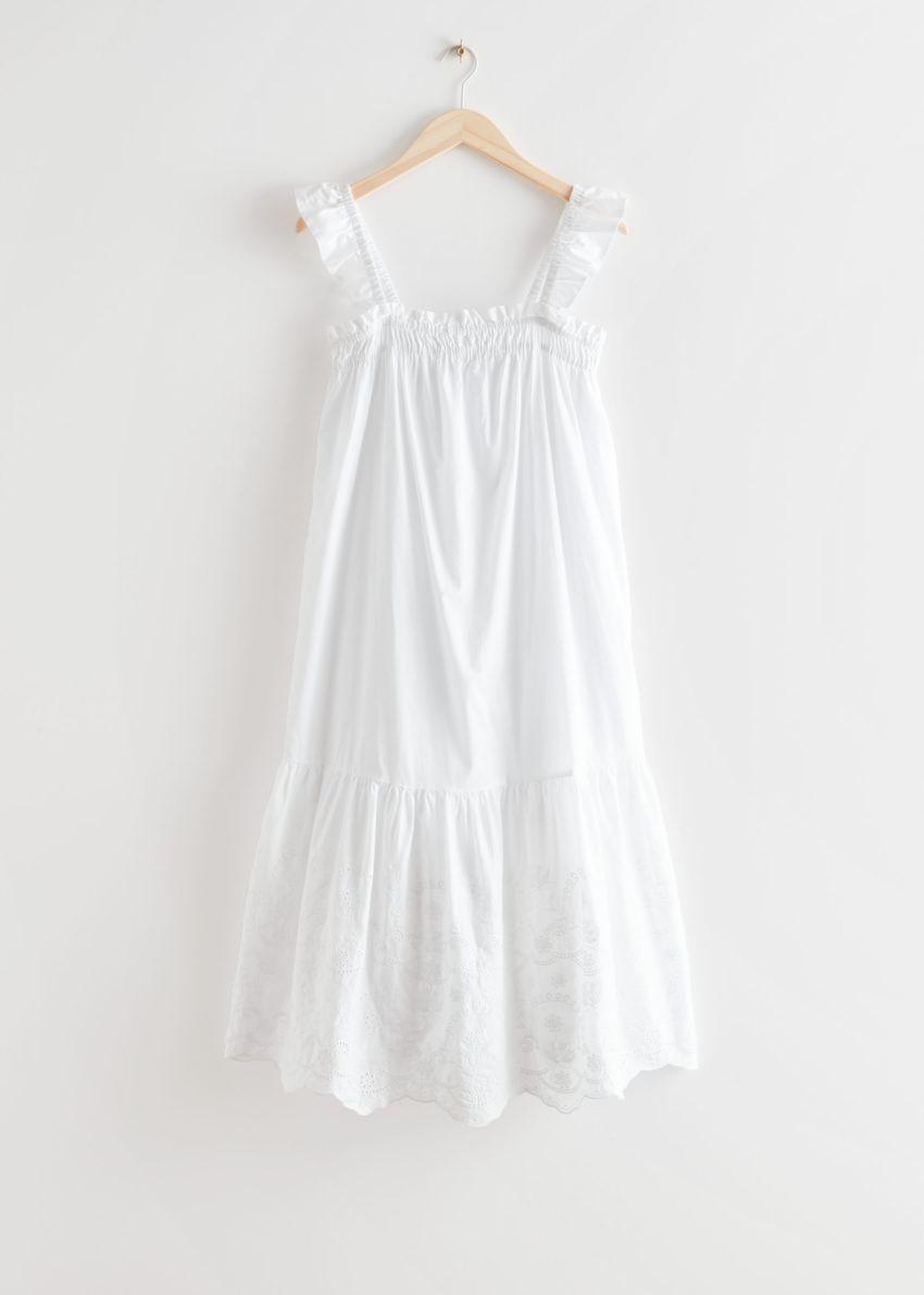 앤아더스토리즈 프릴 엠브로이더리 미디 드레스의 화이트컬러 Product입니다.