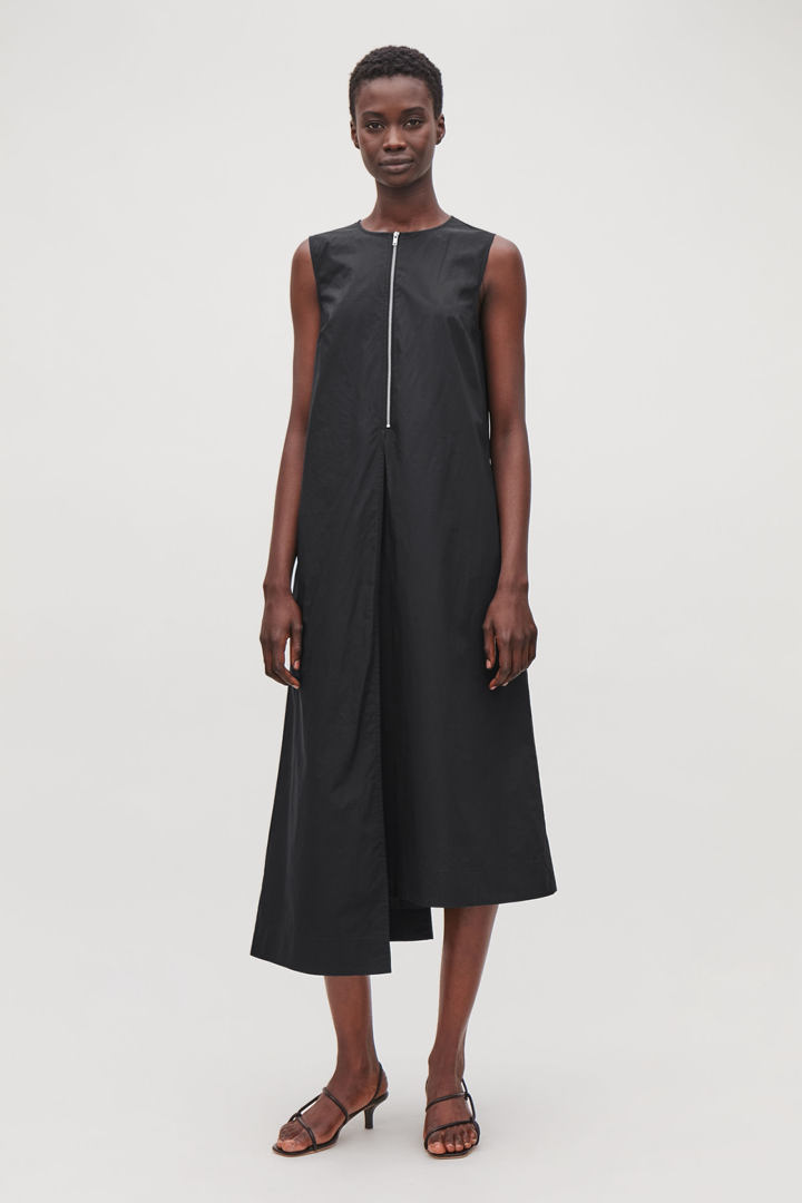 COS default image 3 of 블랙 in 애시메트릭 레이어드 드레스