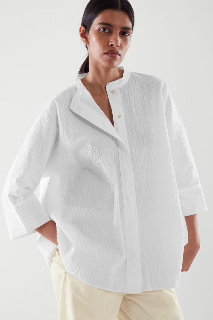 COS default image 2 of 화이트 in 시어서커 셔츠