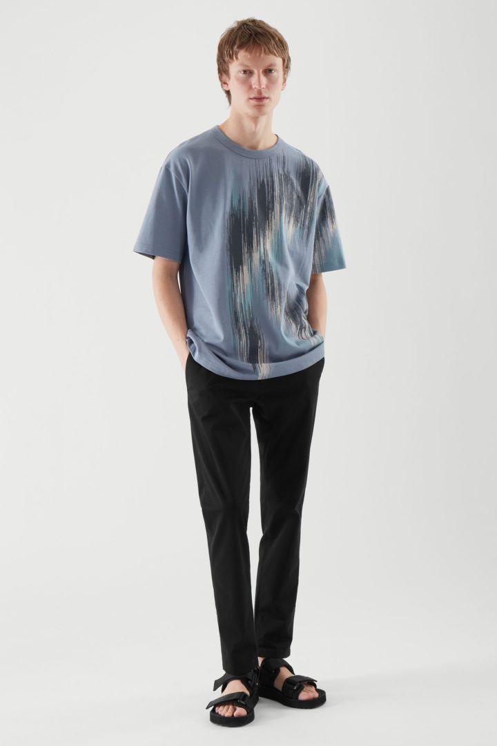COS default image 9 of 블루 in 프린티드 티셔츠