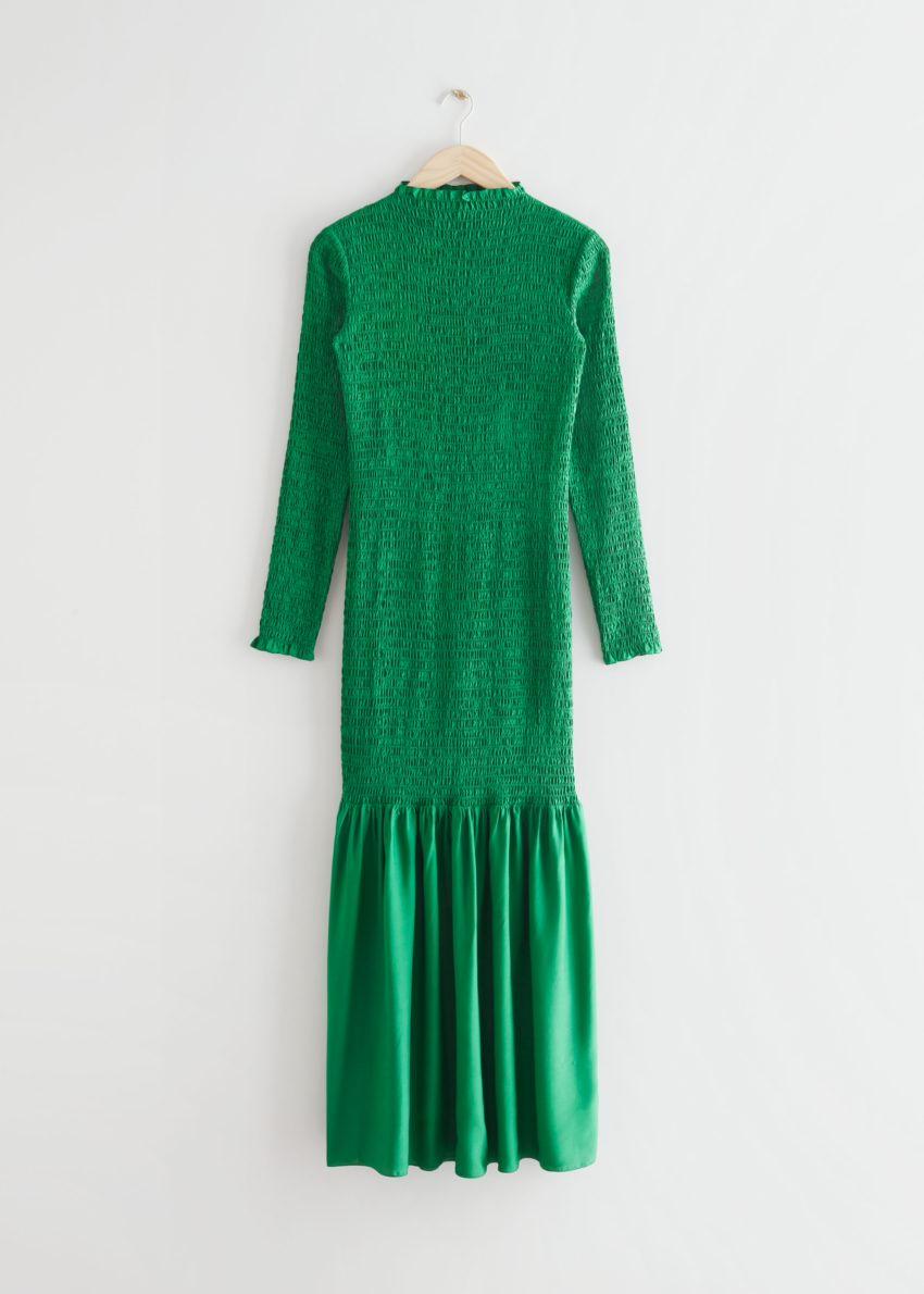 앤아더스토리즈 스모크 미디 드레스의 그린컬러 Product입니다.