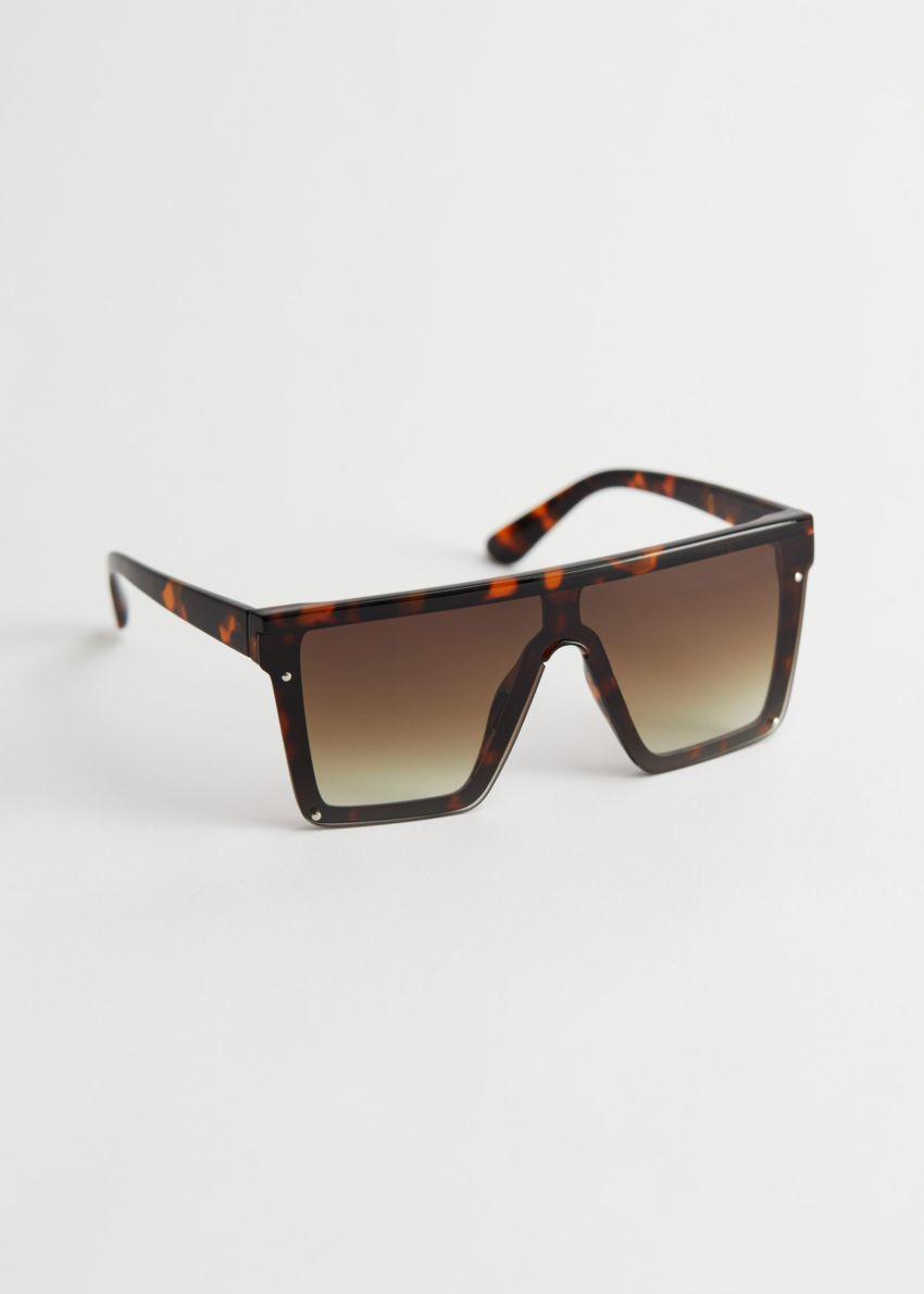 앤아더스토리즈 오버사이즈 스퀘어 터토이즈 선글라스의 터토이즈컬러 Product입니다.
