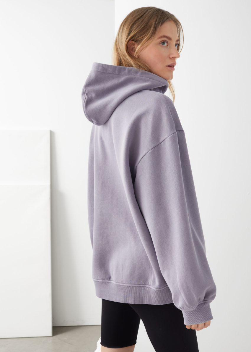 앤아더스토리즈 오버사이즈 후디드 박시 스웨트셔츠의 다크 라일락컬러 ECOMLook입니다.
