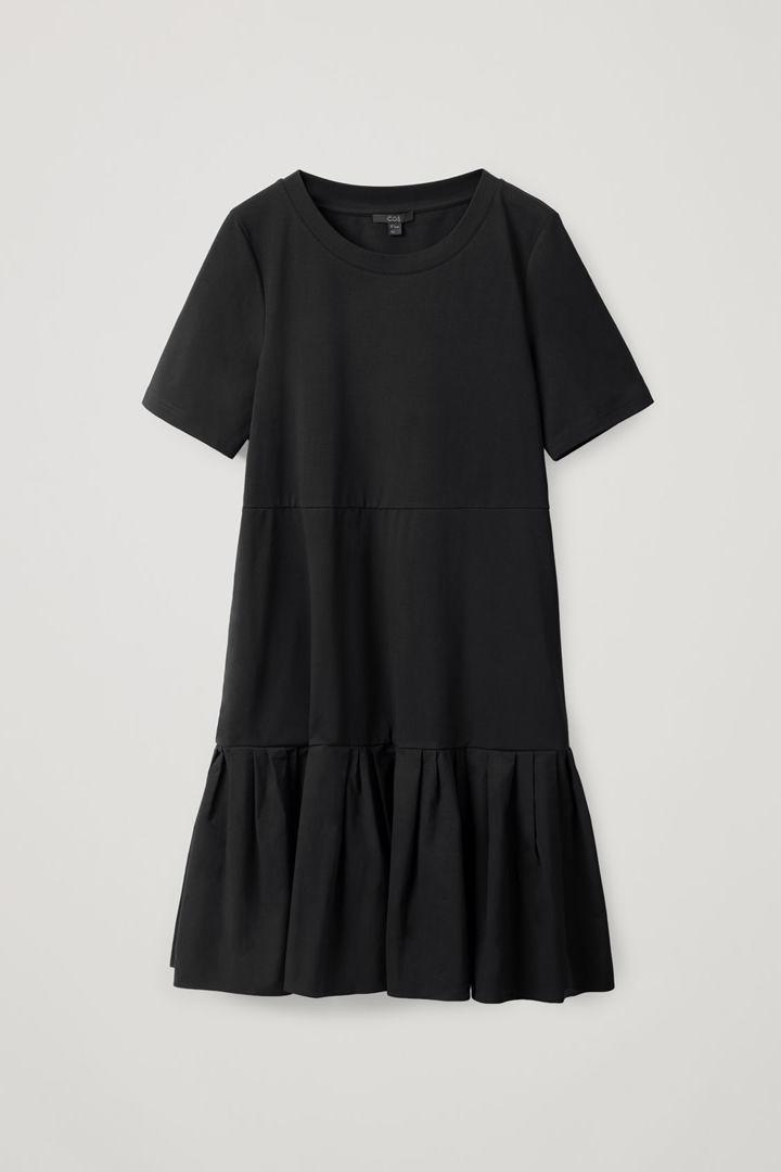 COS 개더드 패널 코튼 드레스의 블랙컬러 Product입니다.