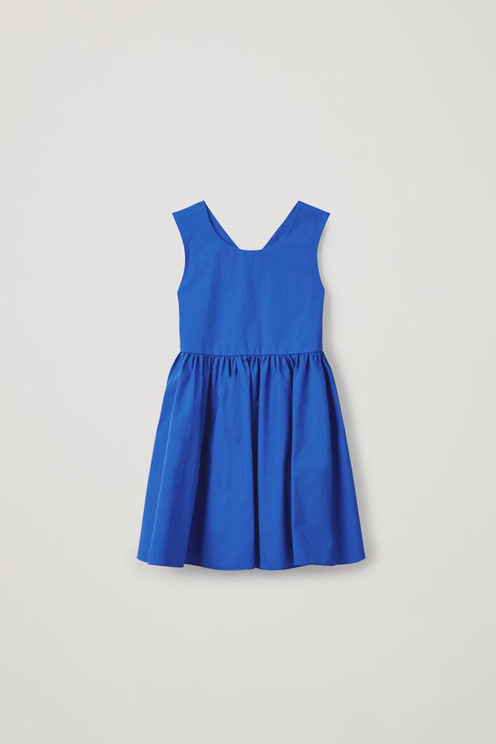 COS default image 6 of 블루 in 슬리브리스 코튼 드레스