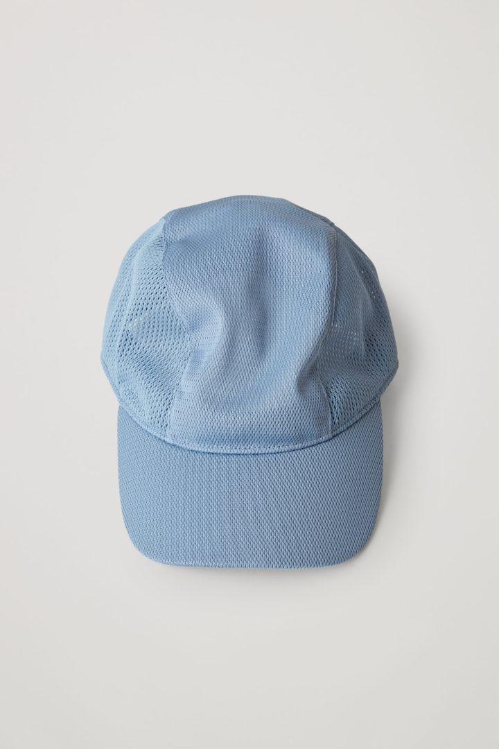 COS 메쉬 베이스볼 캡의 블루컬러 Product입니다.