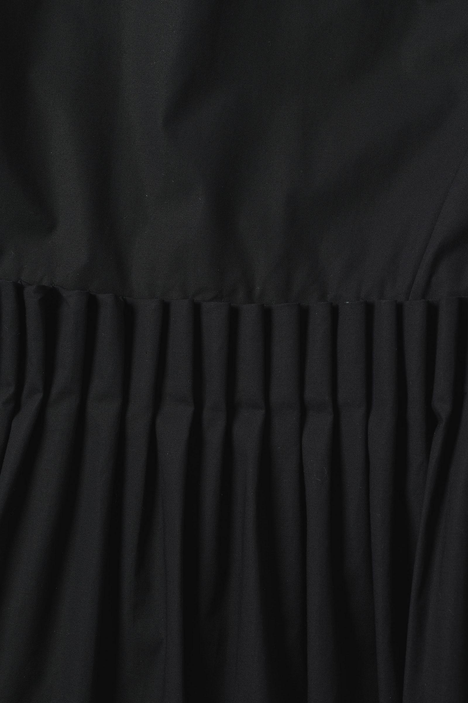 COS 플레어 코튼 드레스의 블랙컬러 Detail입니다.