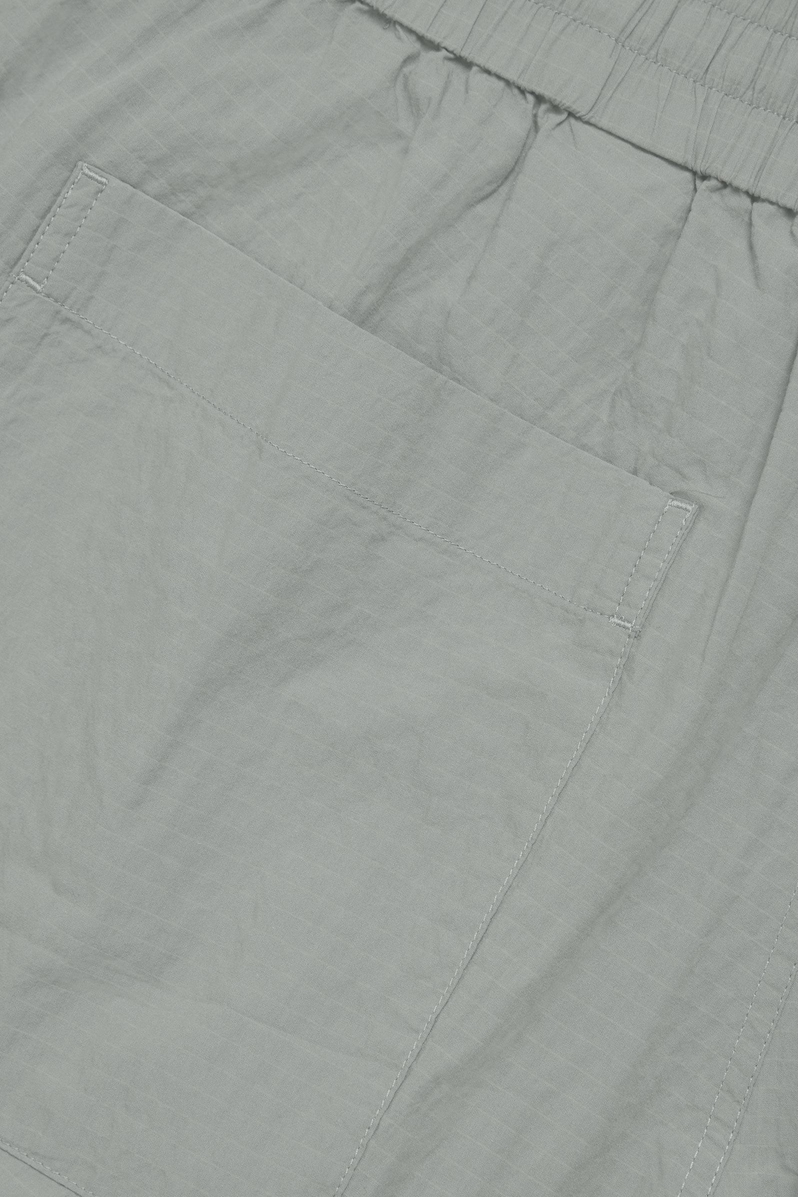 COS 시어서커 코튼 쇼츠의 그레이컬러 Detail입니다.