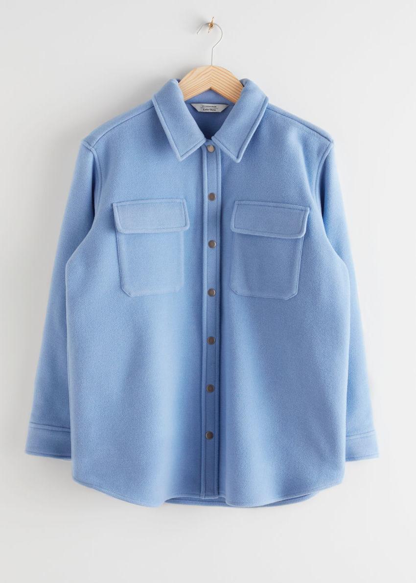 앤아더스토리즈 오버사이즈 울 블렌드 오버셔츠의 블루컬러 Product입니다.