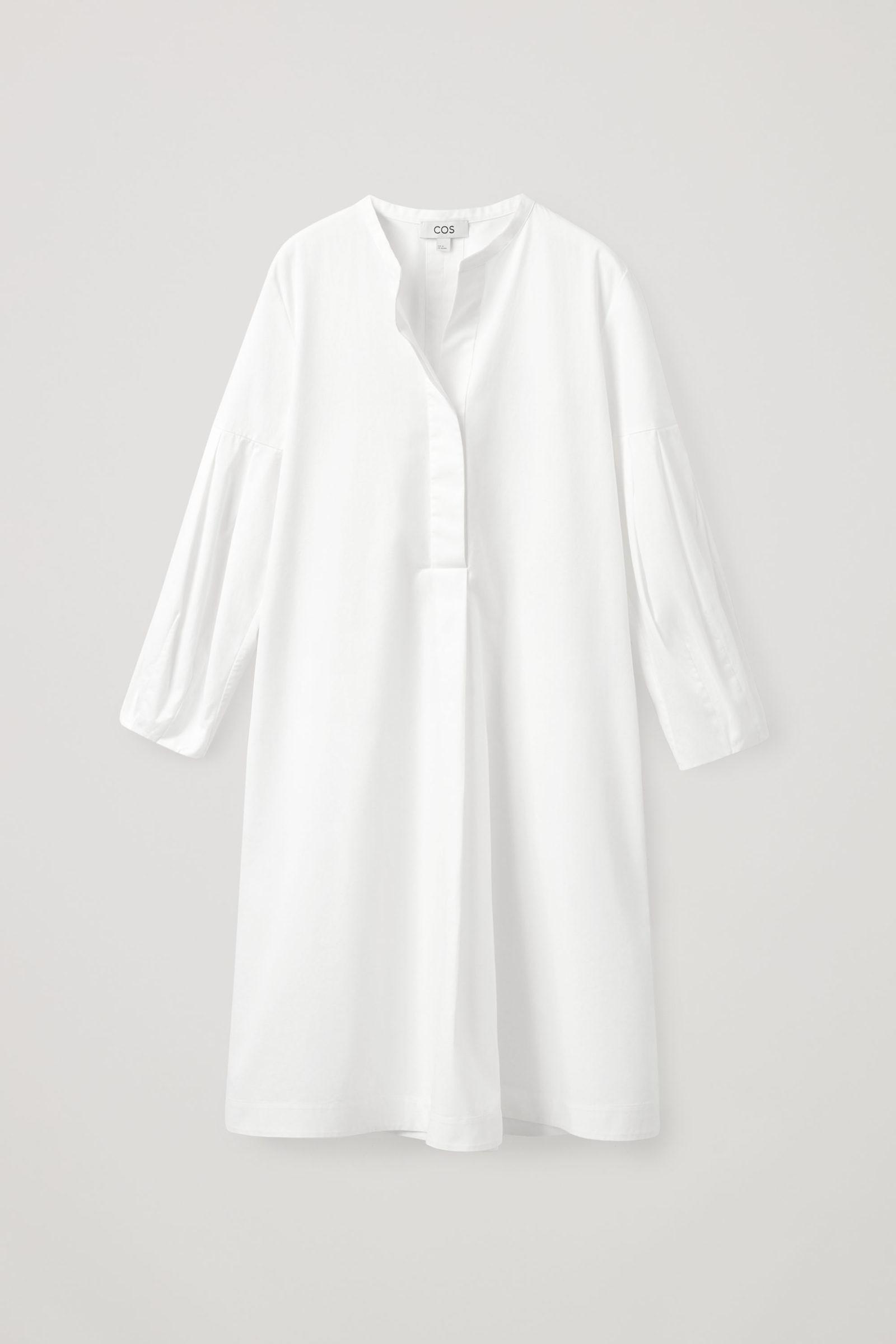COS 플리티드 셔츠 드레스의 화이트컬러 Product입니다.