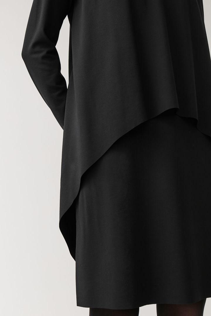 COS default image 6 of 블랙 in 롱 슬리브 레이어드 드레스