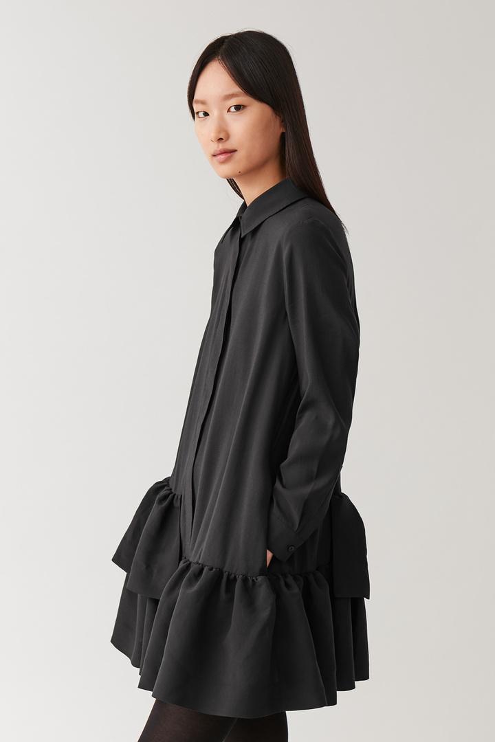 COS default image 11 of 블랙 in 프릴드 셔츠 드레스