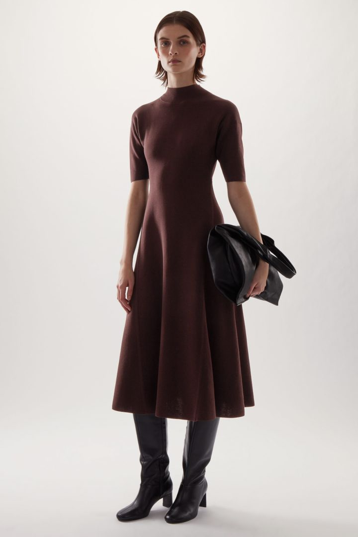 COS default image 10 of 브라운 in 하이넥 니티드 미디 스케이터 드레스