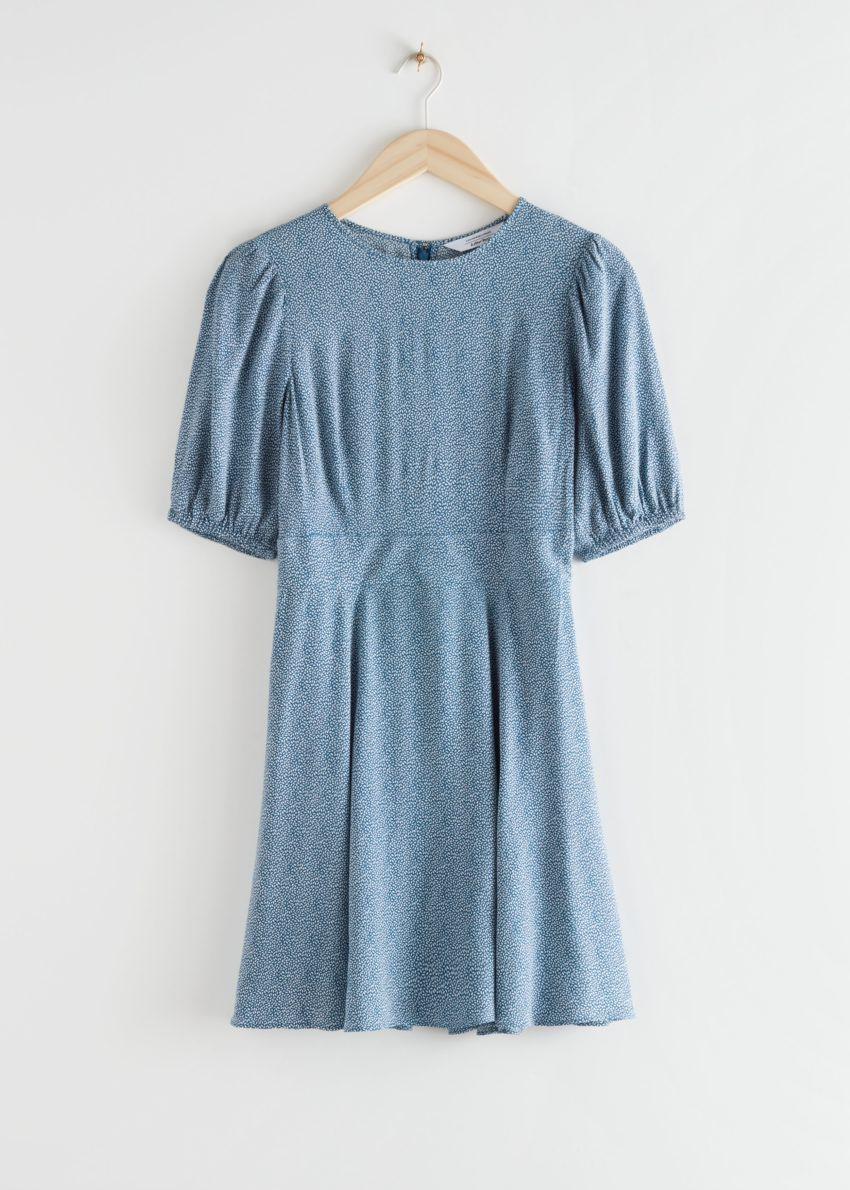 앤아더스토리즈 퍼프 슬리브 미니 드레스의 블루 페탈컬러 Product입니다.