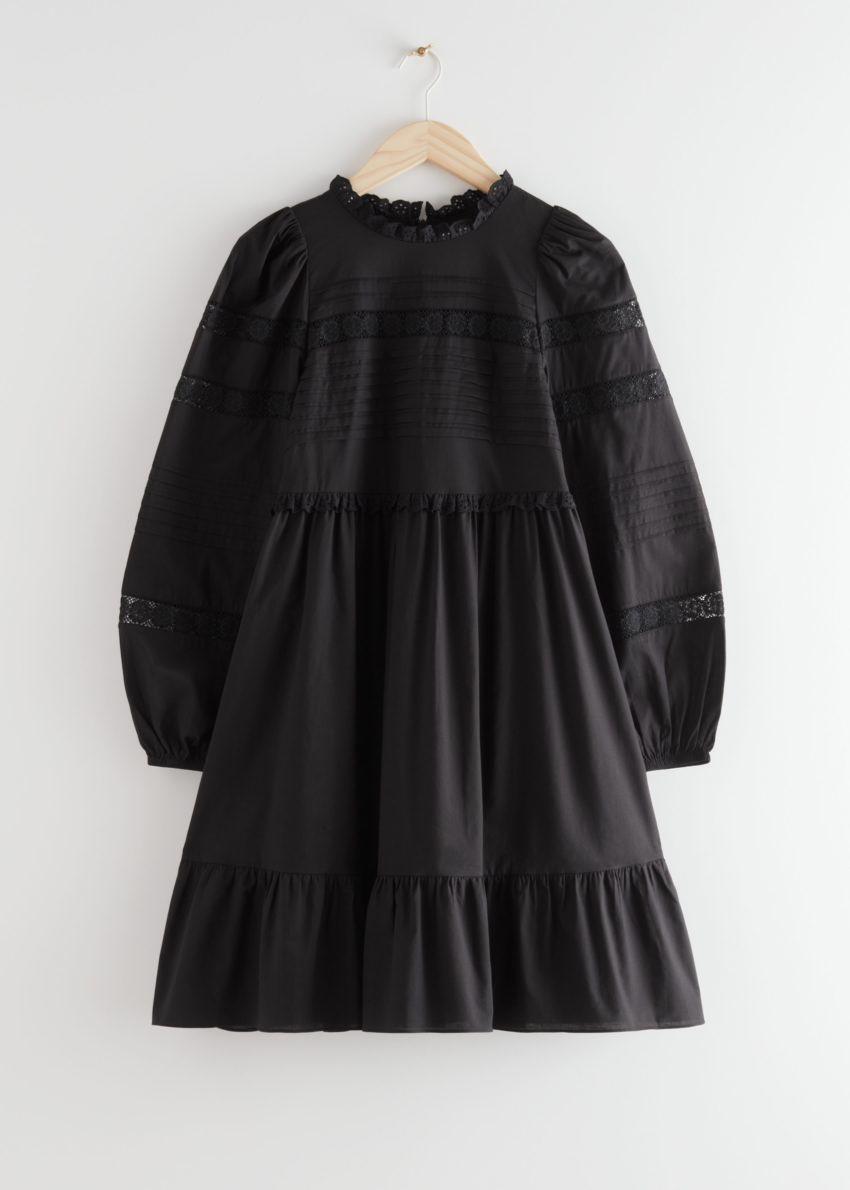 앤아더스토리즈 티어드 미니 레이스 드레스의 블랙컬러 Product입니다.