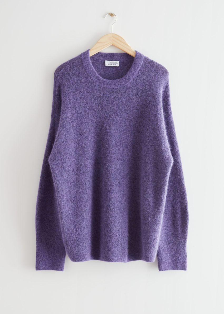 앤아더스토리즈 오버사이즈 니트 스웨터의 퍼플컬러 Product입니다.
