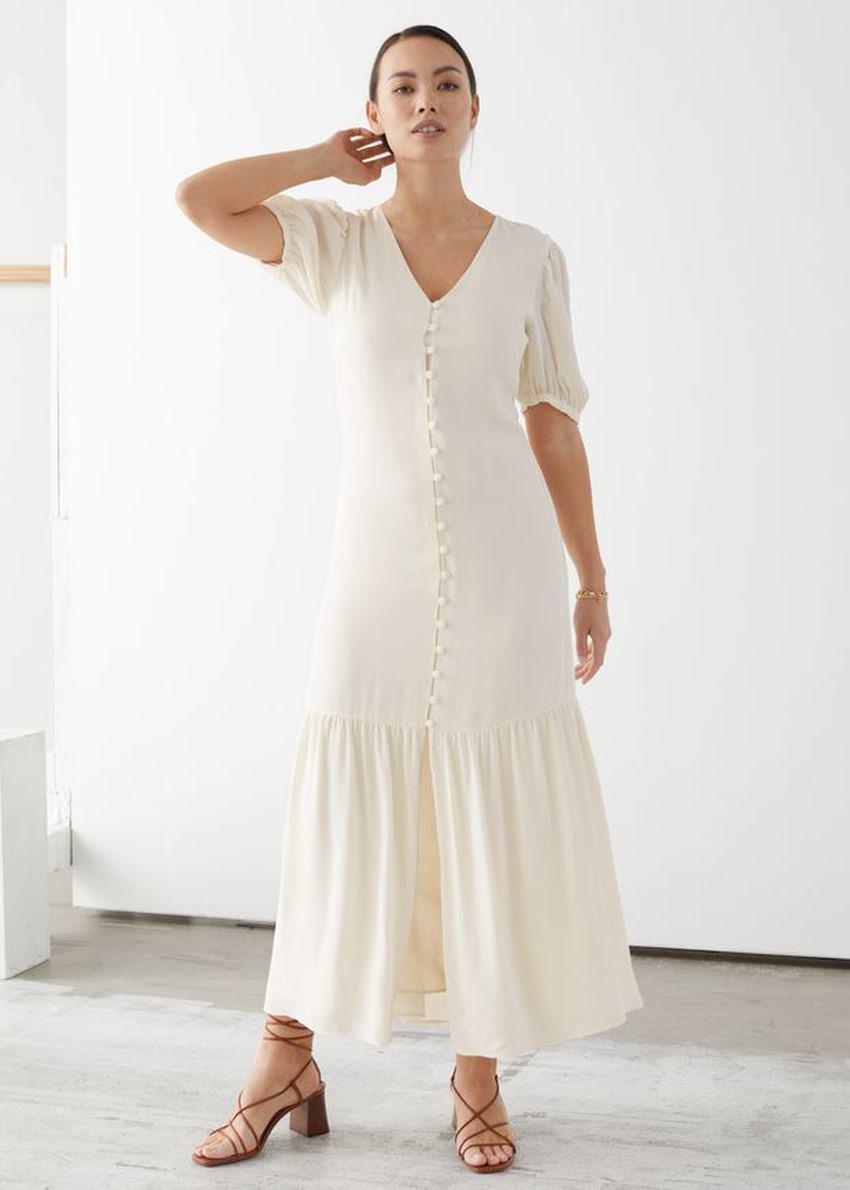 앤아더스토리즈 버튼 다운 퍼프 슬리브 미디 드레스의 화이트컬러 ECOMLook입니다.