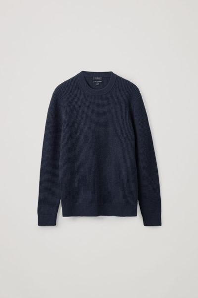 COS default image 3 of 블루 in 캐시미어 와플 니트 스웨터