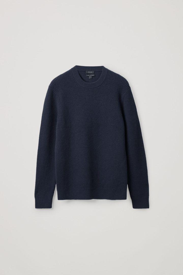 COS default image 1 of 블루 in 캐시미어 와플 니트 스웨터