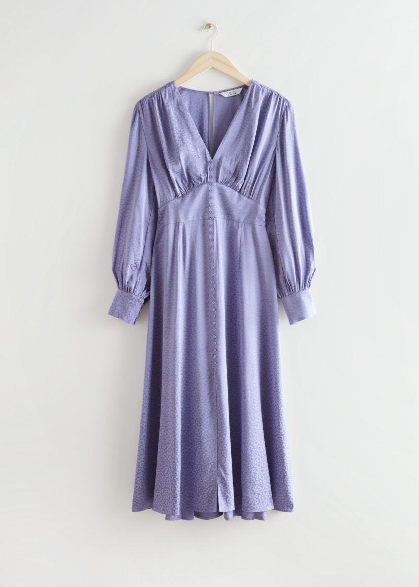 앤아더스토리즈 볼류미너스 슬리브 자카드 미디 드레스의 라일락컬러 Product입니다.