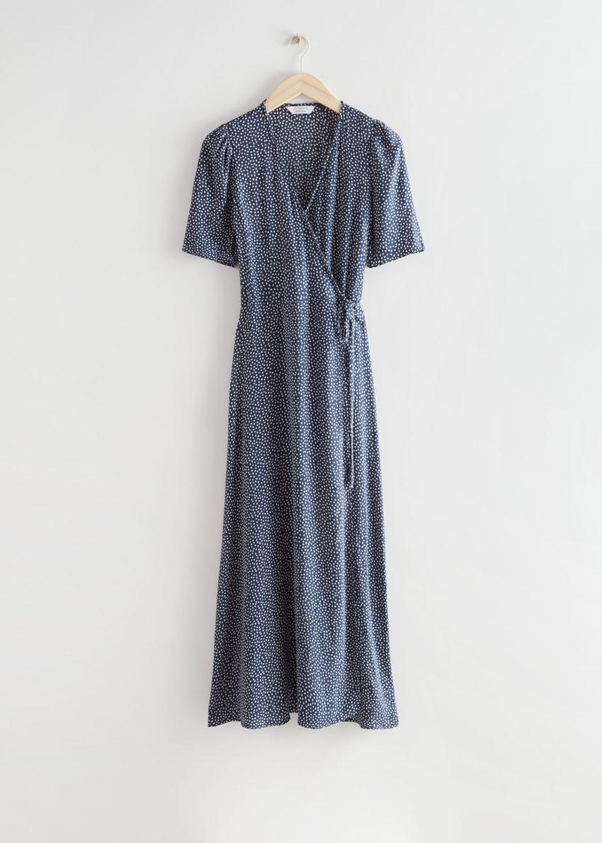 앤아더스토리즈 프린트 미디 랩 드레스의 화이트 도트컬러 Product입니다.