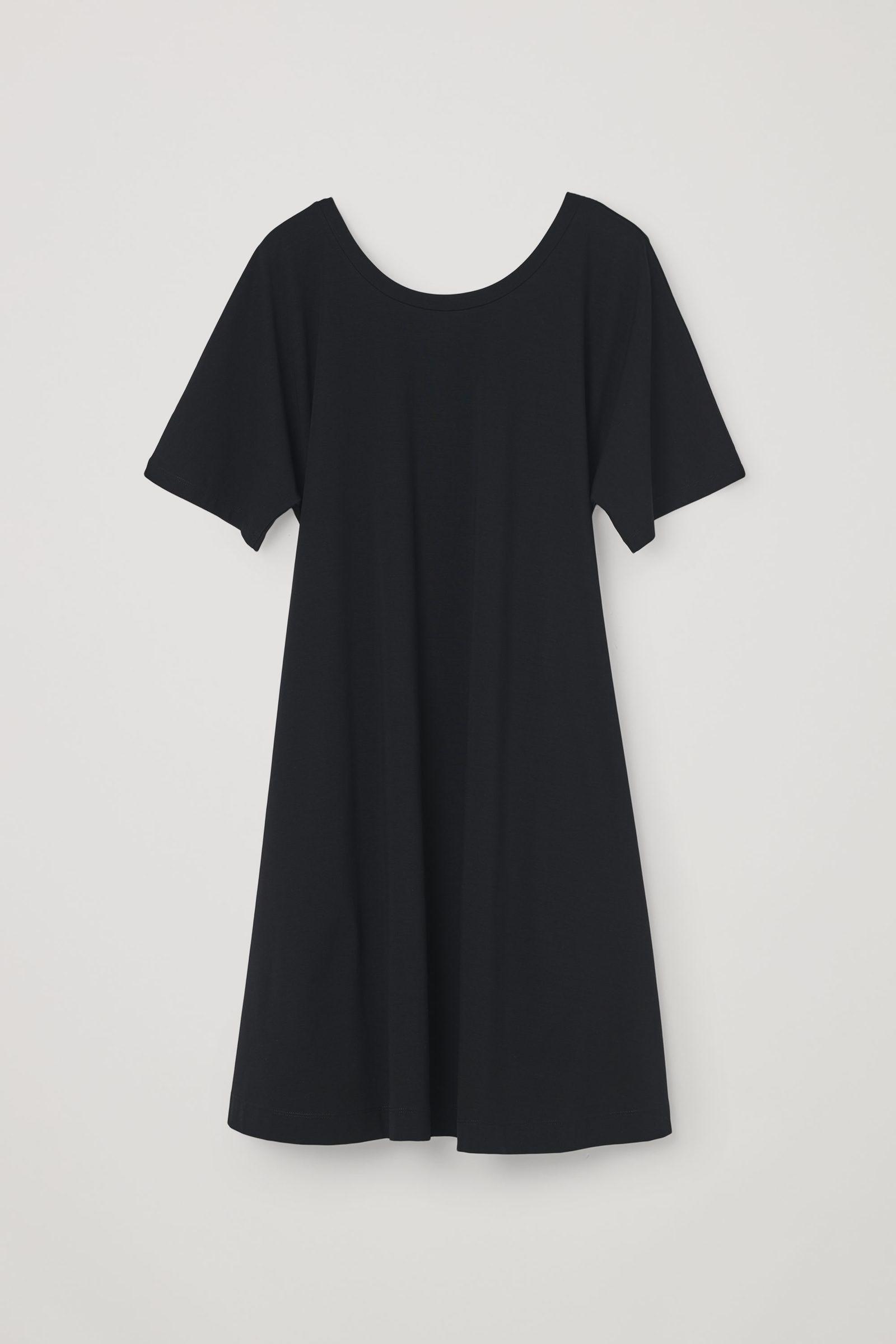 COS A라인 코튼 드레스의 블랙컬러 Product입니다.