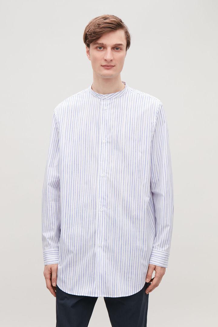 COS default image 11 of 블루 in 스트라이프 코튼 그랜대드 셔츠