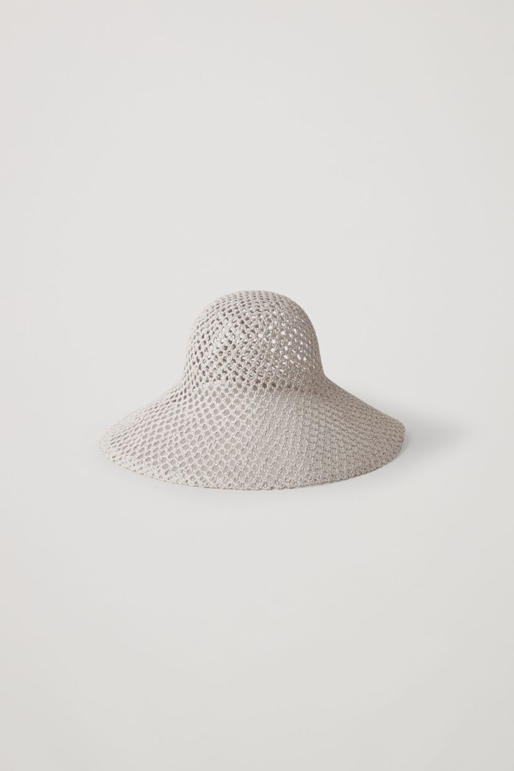 COS 브로드리 앙글레이즈 패턴드 햇의 베이지컬러 Product입니다.