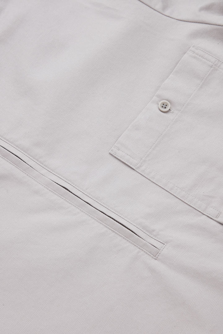 COS 그랜대드 칼라 오가닉 코튼 셔츠의 브라운컬러 Detail입니다.