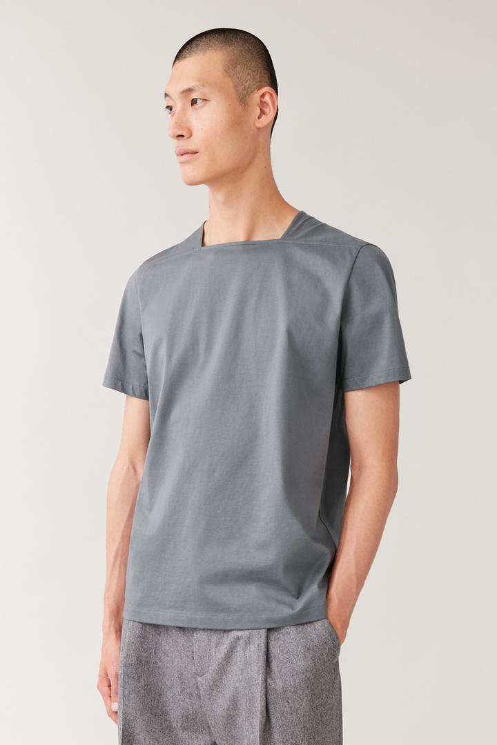 COS default image 12 of 그레이 in 스퀘어 넥 티셔츠