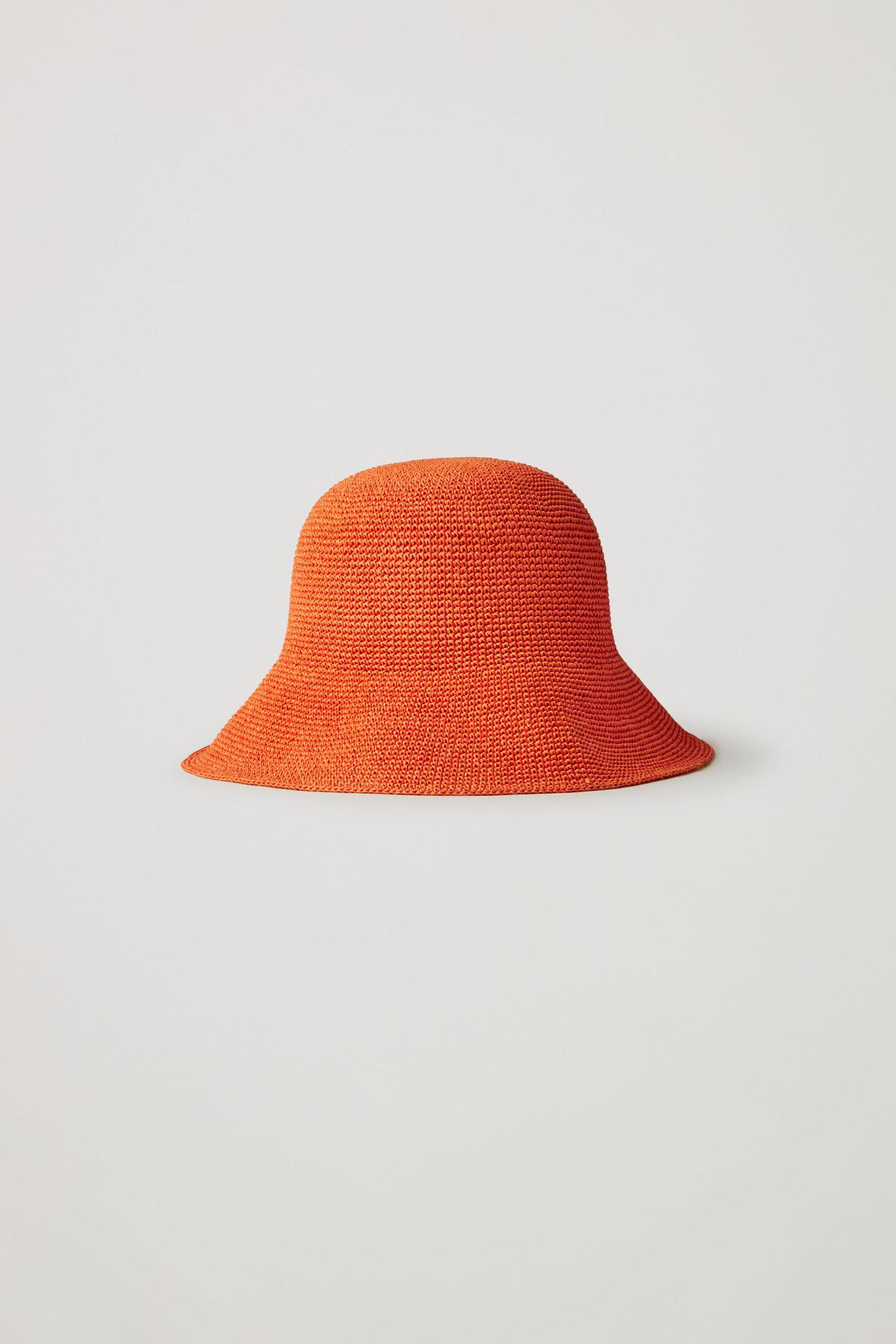 COS 크로셰 페이퍼 햇의 오렌지컬러 Product입니다.