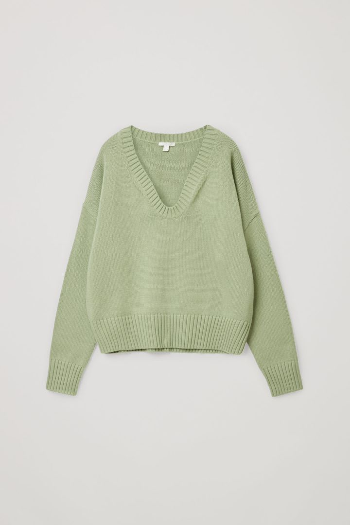 COS 코튼 울 알파카 스웨터의 그린컬러 Product입니다.