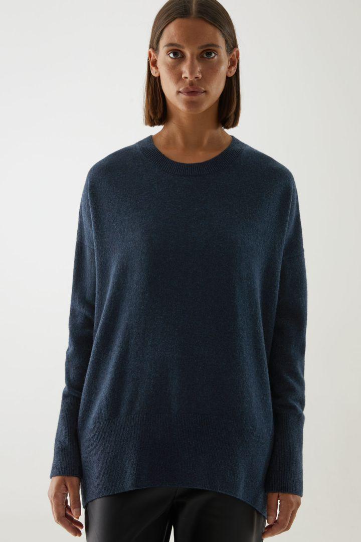 COS default image 6 of 블루 in 캐시미어 오버사이즈 스웨터