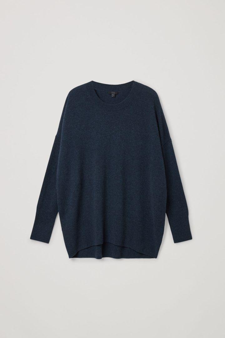 COS hover image 6 of 블루 in 캐시미어 오버사이즈 스웨터
