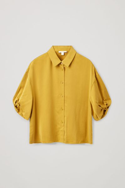 COS default image 2 of 옐로우 in 쇼트 퍼프 슬리브 셔츠
