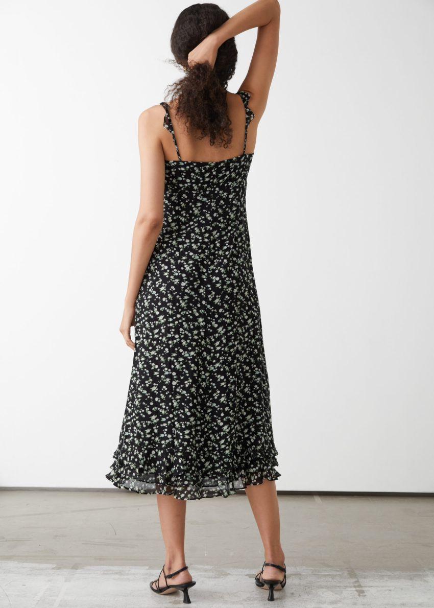 앤아더스토리즈 프릴 크레이프 시폰 미디 드레스의 블랙 플로럴컬러 ECOMLook입니다.