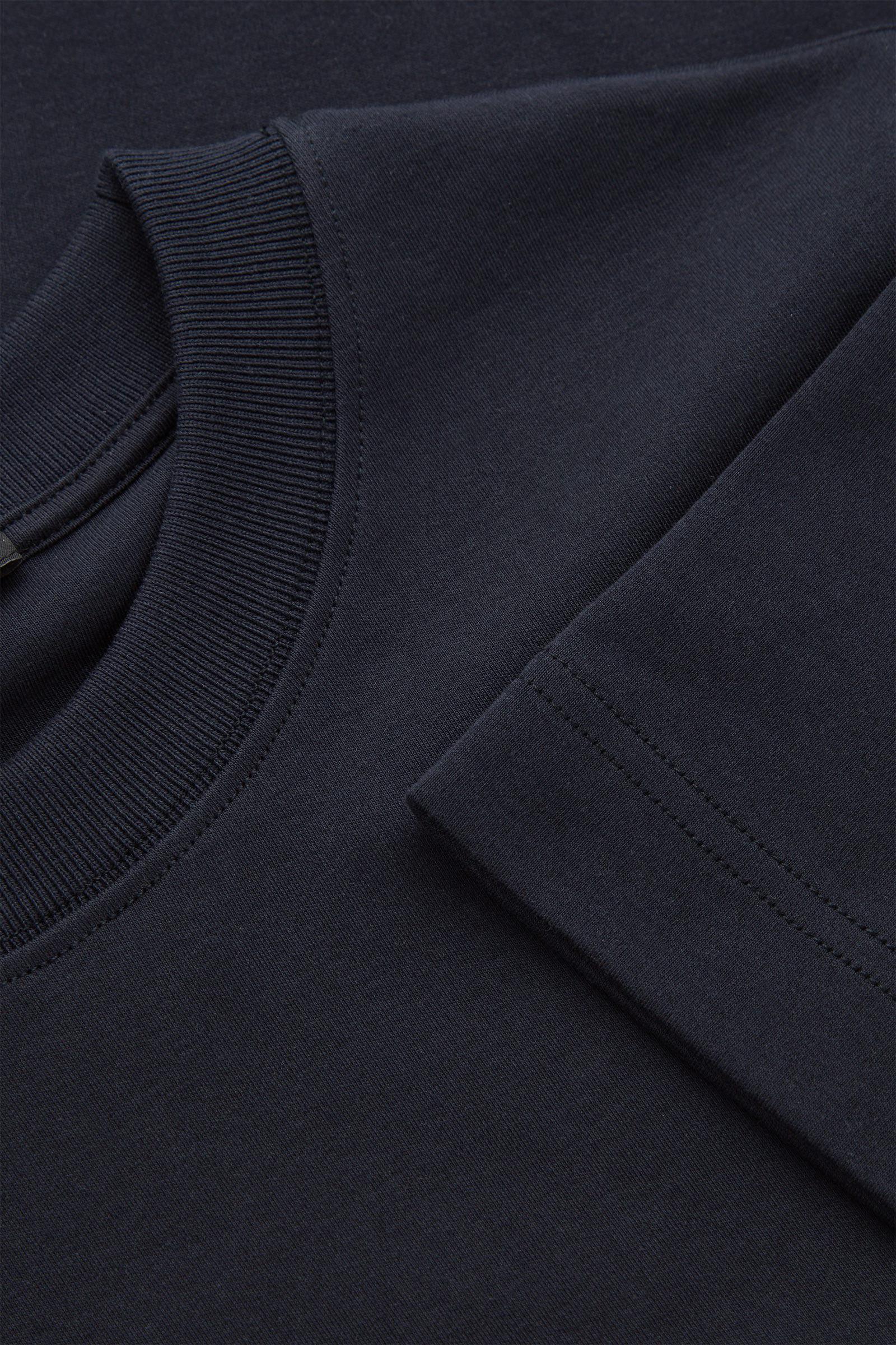 COS 슬림 핏 티셔츠의 블루컬러 Detail입니다.
