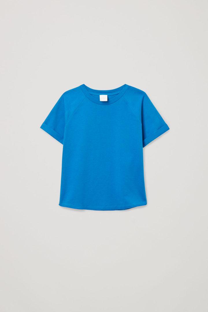 COS default image 12 of 블루 in 오가닉 코튼 래글런 티셔츠