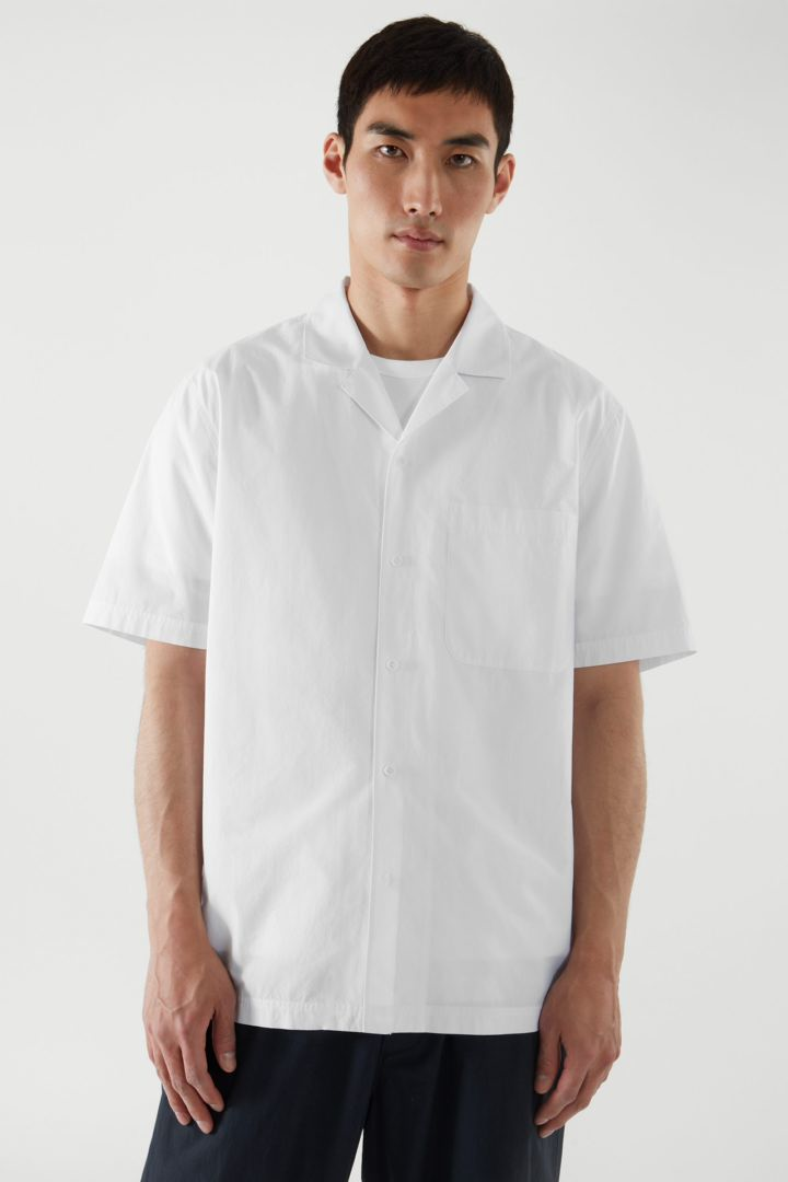 COS default image 1 of 화이트 in 캠프 칼라 셔츠