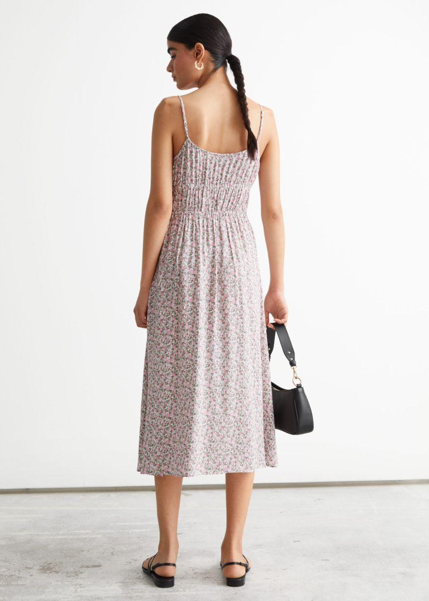 앤아더스토리즈 스트래피 미디 드레스의 핑크 프린트컬러 ECOMLook입니다.