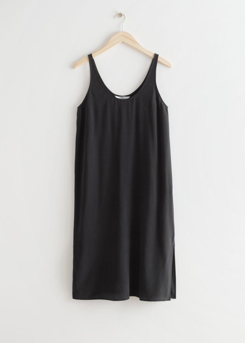 앤아더스토리즈 슬리브리스 미니 실크 드레스의 블랙컬러 Product입니다.
