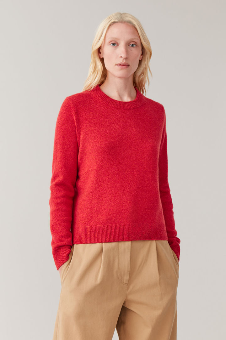 COS default image 6 of 오렌지 in 니티드 캐시미어 스웨터
