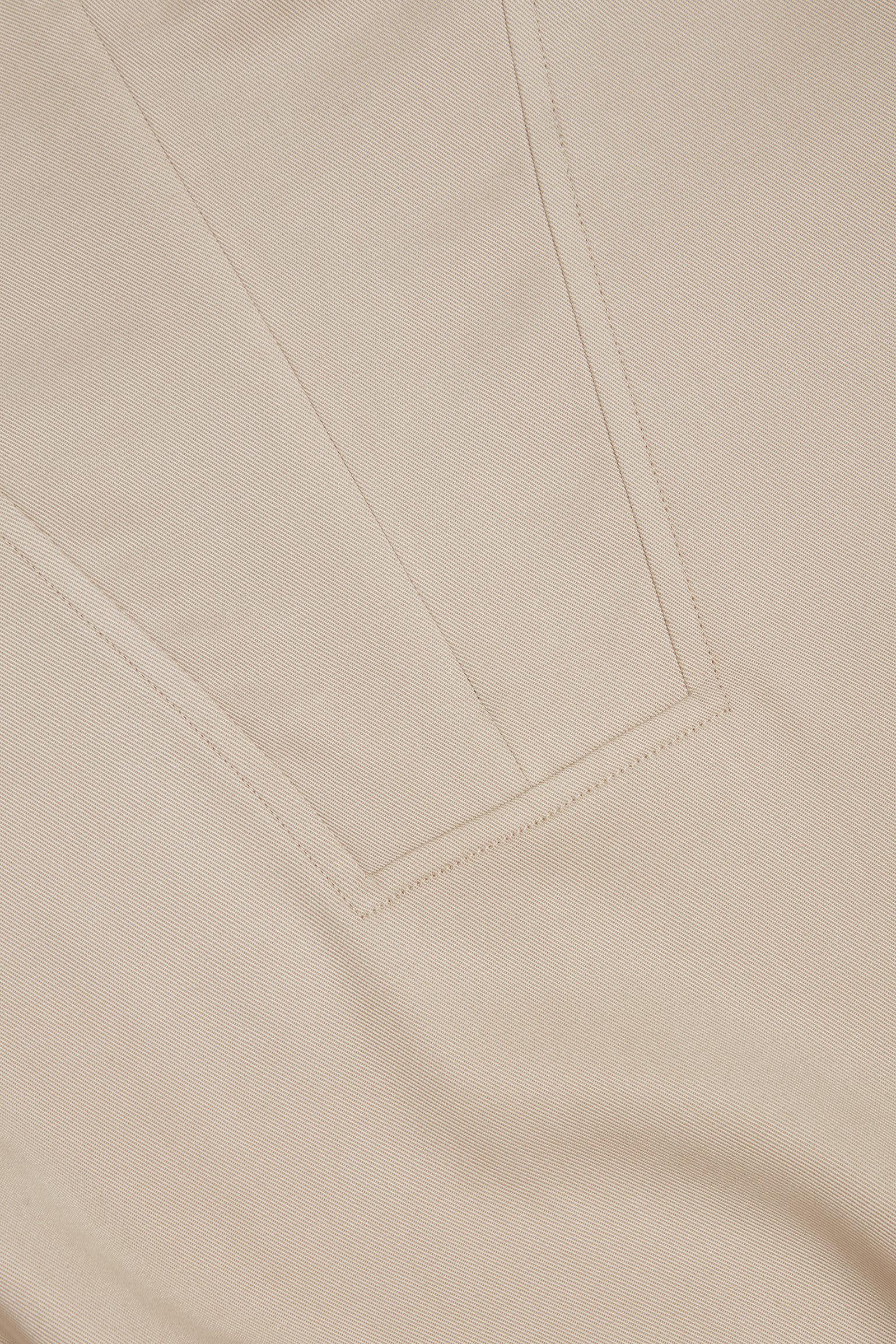 COS 라이오셀 유틸리티 드레스의 베이지컬러 Detail입니다.