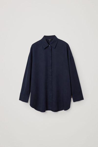 COS default image 10 of 블루 in 라이오셀 서큘러 컷 릴랙스드 셔츠