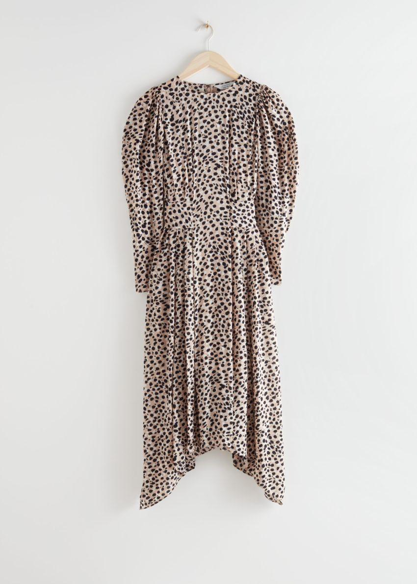 앤아더스토리즈 퍼프 슬리브 미디 드레스의 치타컬러 Product입니다.