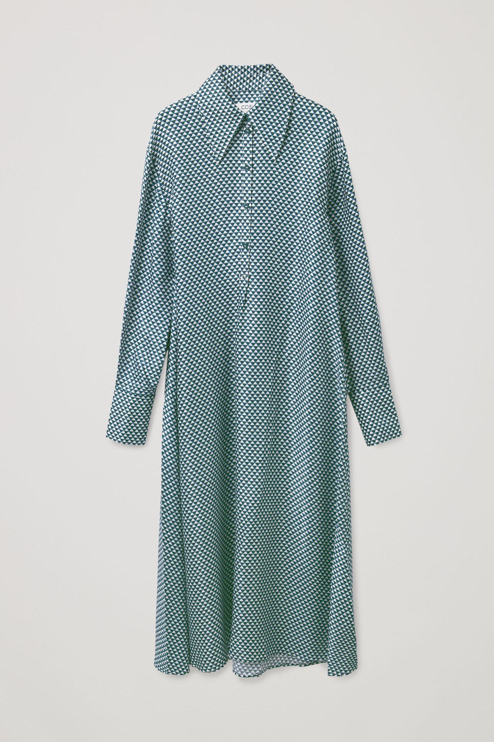 COS 실크 프린티드 미디 셔츠 드레스의 다크 그린 / 화이트컬러 Product입니다.