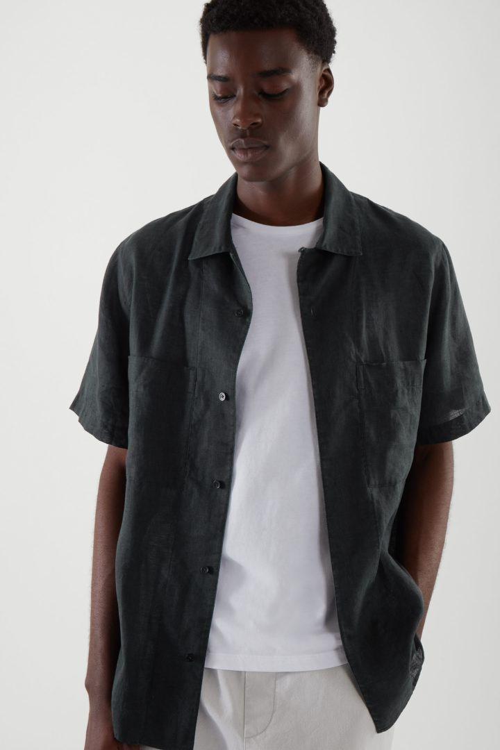COS default image 5 of 블랙 in 캠프 칼라 쇼트 슬리브 셔츠