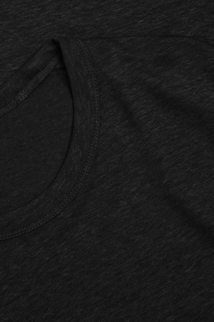 COS 리넨 드레스의 블랙컬러 Detail입니다.