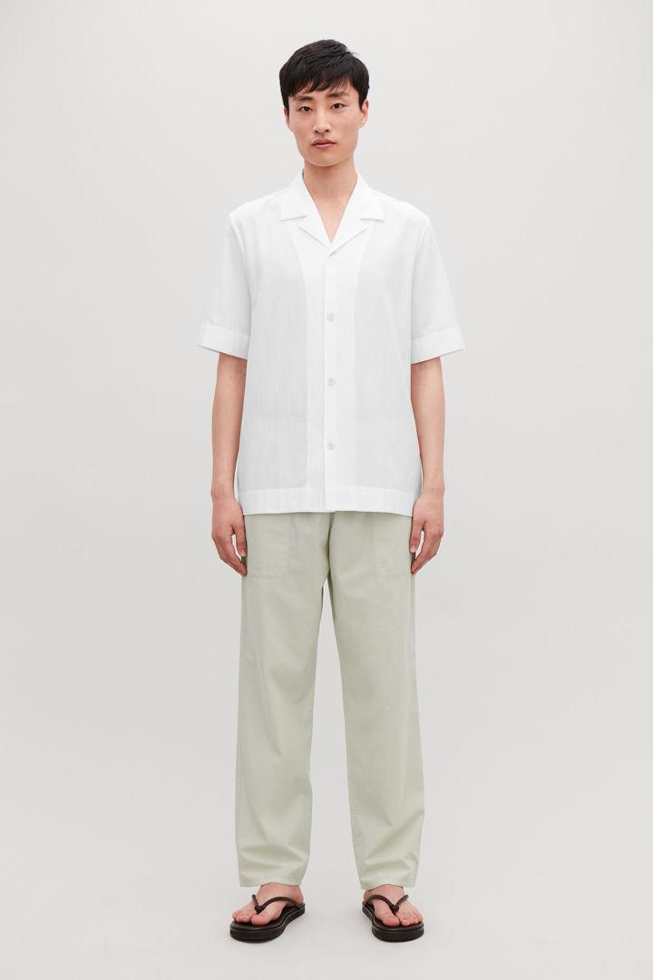 COS default image 9 of 화이트 in 캠프 칼라 크링클드 코튼 셔츠